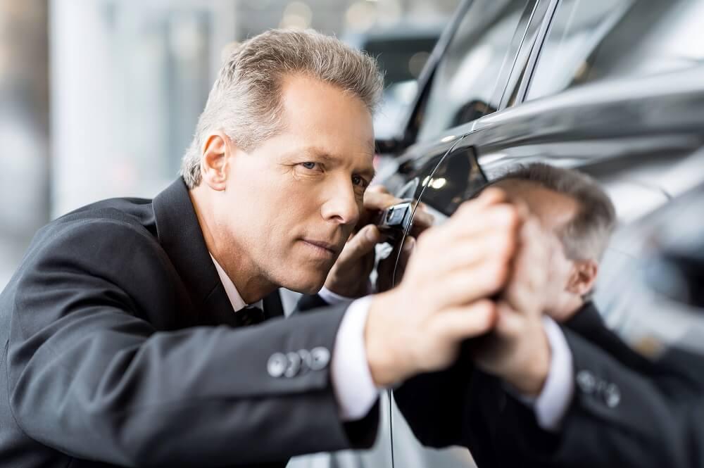 Ocena lakieru samochodowego u lakiernika Białystok